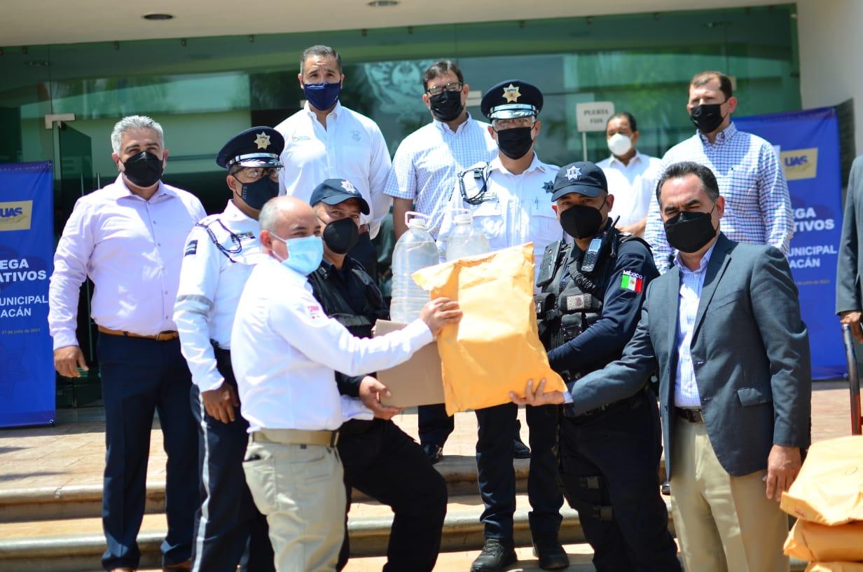 Photo of Entrega la UAS material de protección contra Covid-19 a la Policía Municipal de Culiacán