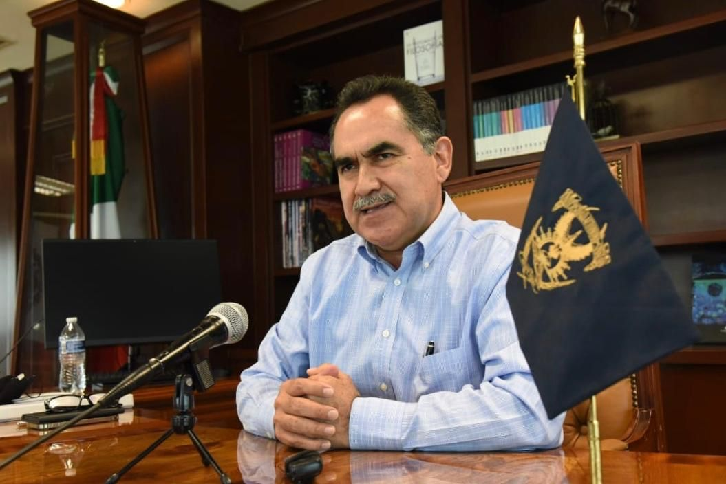 Photo of El Rector llama a aspirantes a no dejarse engañar por personas que prometen un espacio en la UAS