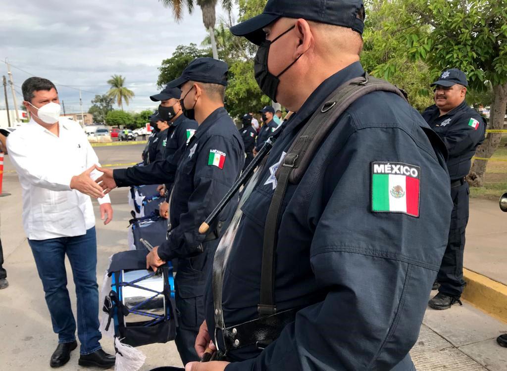 Photo of Celebra el alcalde Billy Chapman Día del Policía con la corporación ahomense.