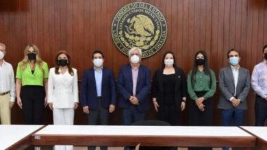 Photo of Diputadas y Diputados del PRI, Acudieron al Congreso del Estado para Realizar el Trámite de  Registro Como Parte de la LXIV Legislatura.