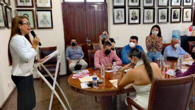 Photo of Nubia Ramos Acompañada de Funcionarios Públicos, Presenta su Tercer Informe de Gobierno.
