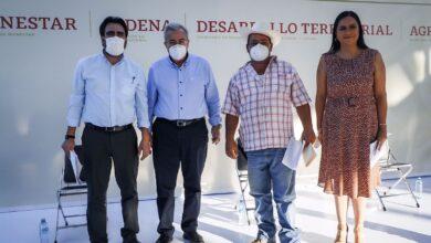 Photo of Entregan Tarjetas del Programa Bienestar, a  Personas Con Discapacidad Y Adultos Mayores .
